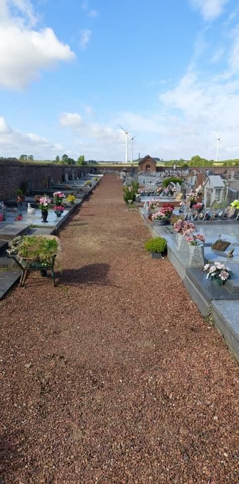 Entretien du cimetière d'Estinnes-au-Val